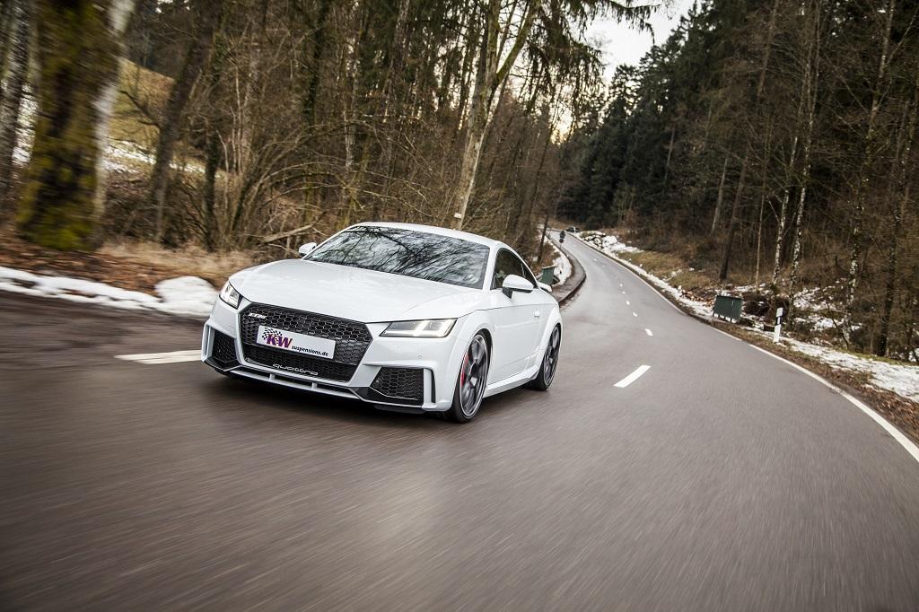 low_KW_Clubsport_3-way_Audi_TT-RS_Fahraufnahme_002