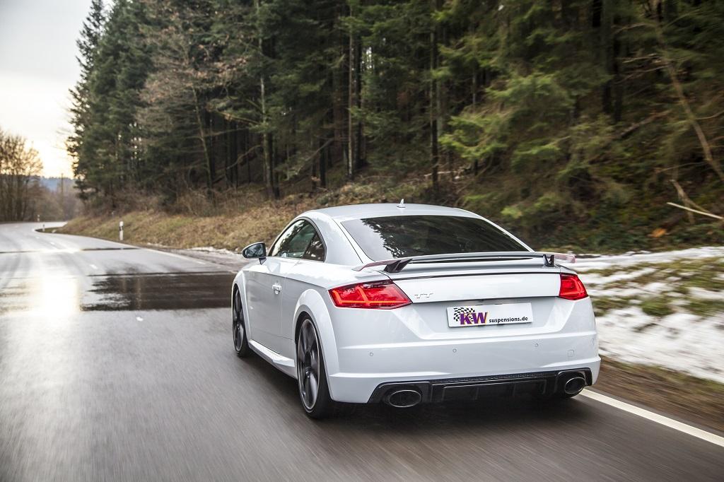 low_KW_Clubsport_3-way_Audi_TT-RS_Fahraufnahme_004